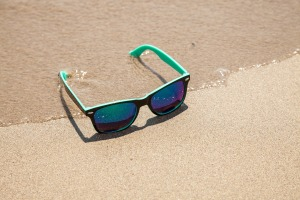 sunglasses-438429_1920